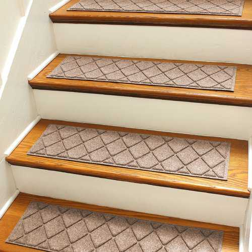 Darby Home Co Aqua Gretchen Medium Brown Argyle Stair Tread (Set of 4)