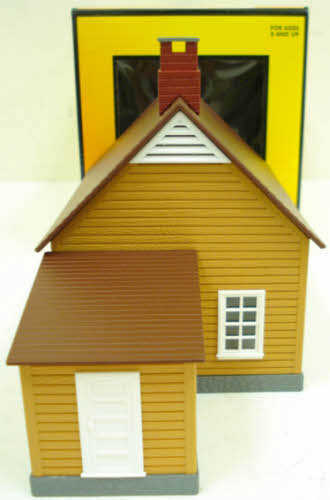 MTH 30-90008 Mustard & Red Work House #1